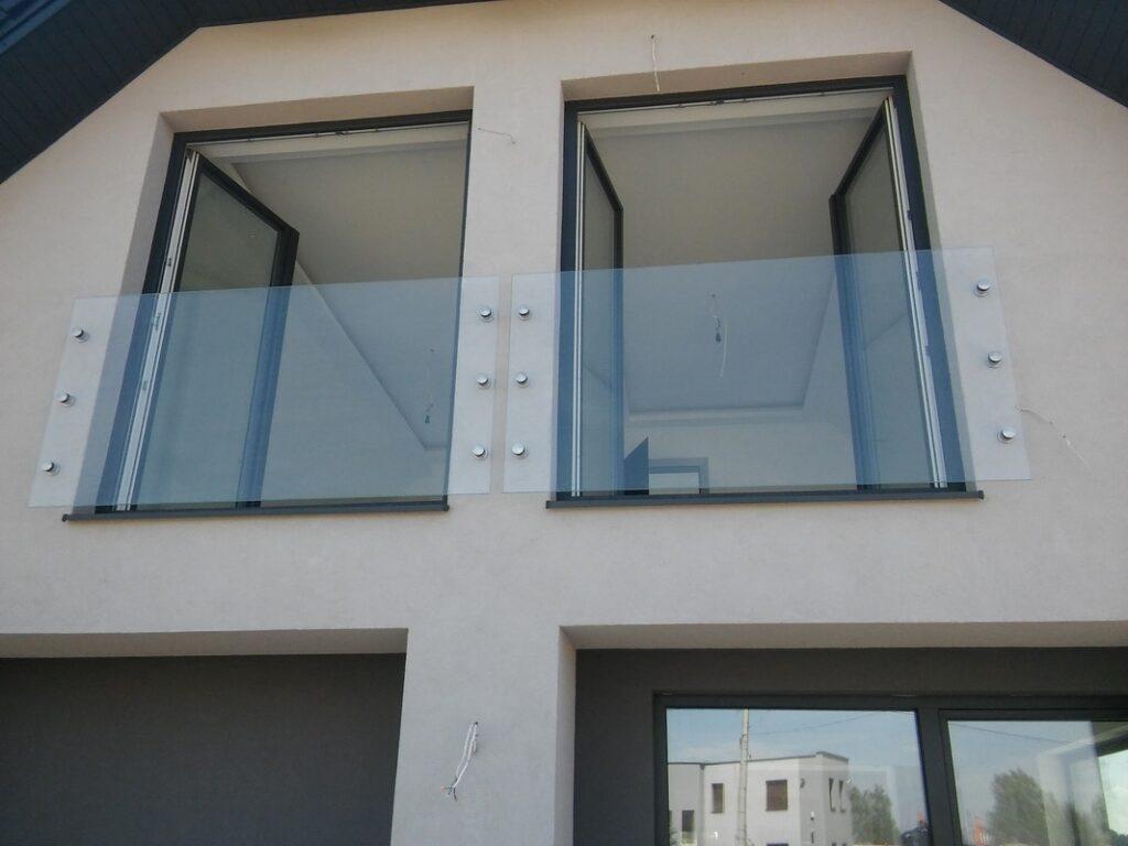 balkon francuski ze szkła